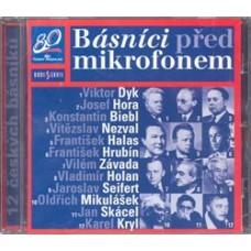 CD-BÁSNÍCI PŘED MIKROFONEM